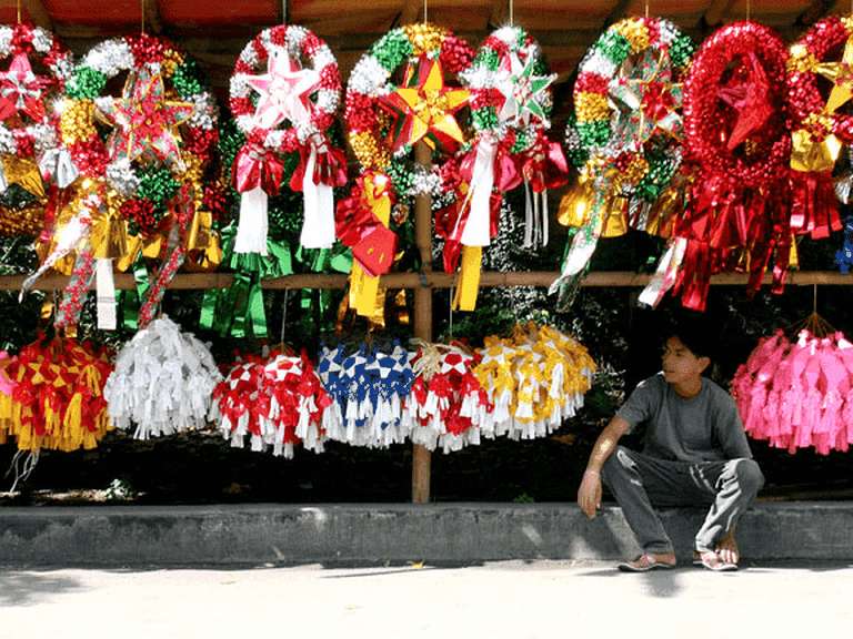 A Filipino parol vendor's stall