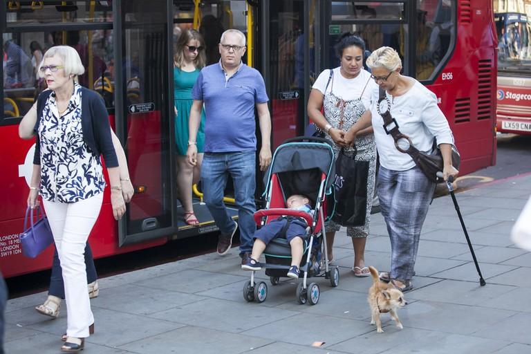 People getting off London bus | © Elena Rostunova:Shutterstock