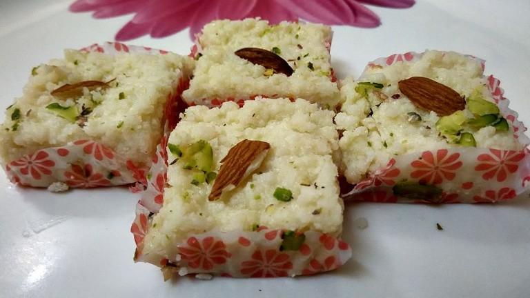 Originated in Alwar, Kalakand is a milk-based dessert