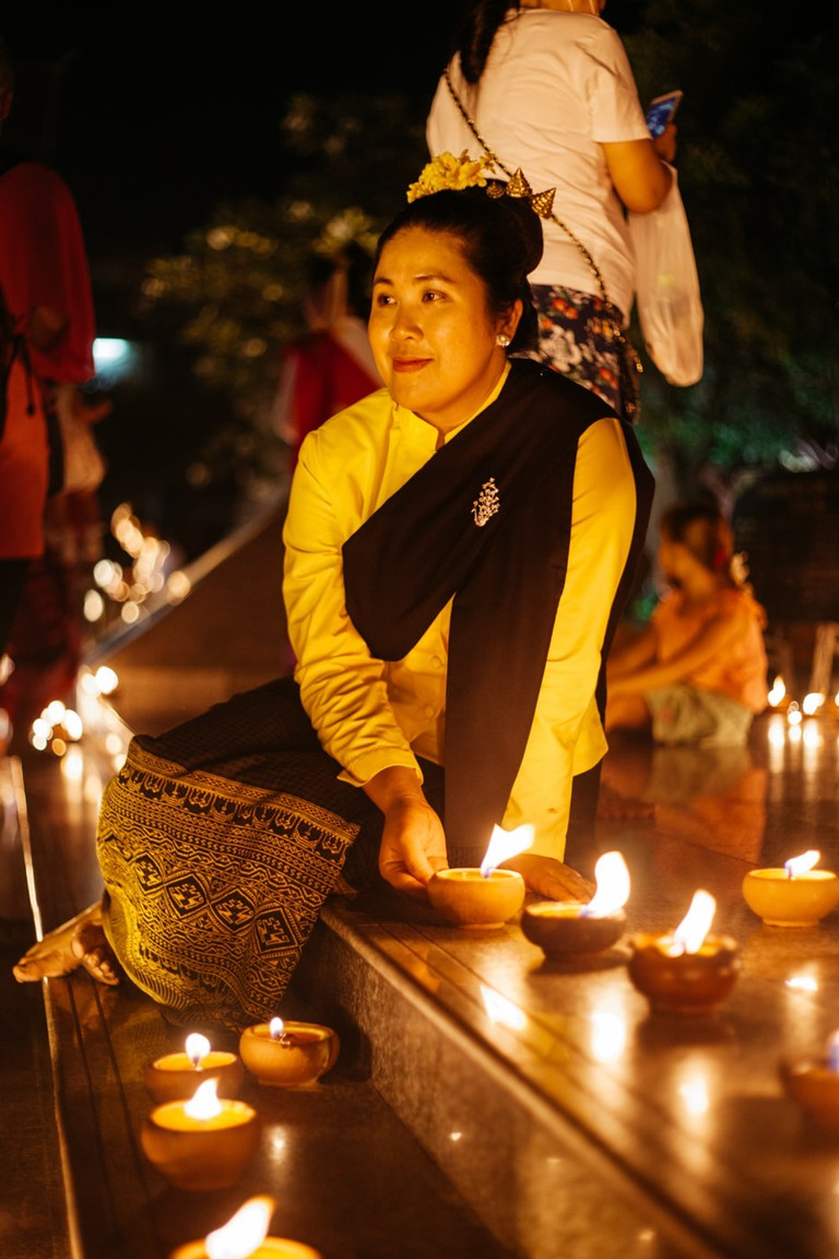 RAW 030-EMIDI- Loi Krathong- Three Kings Monument, Chiang Mai, Thailand
