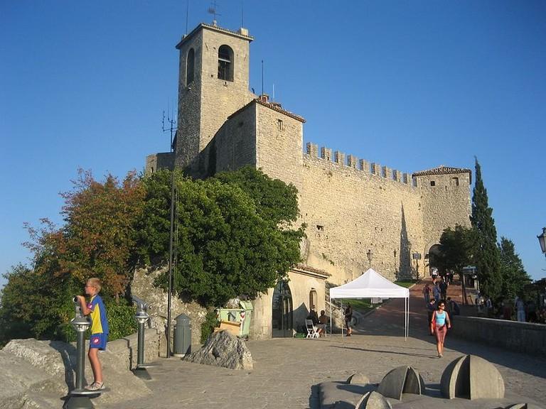 Rock_of_San_Marino_-_panoramio