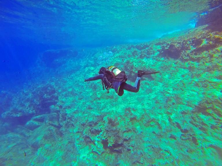 scuba-diver-1049945_1280