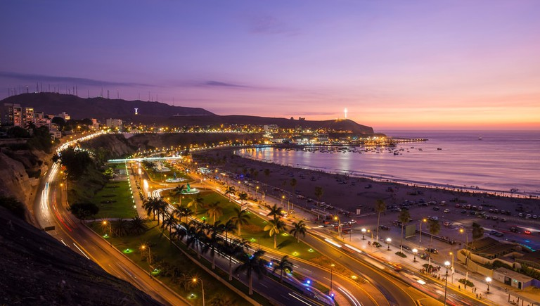 shutterstock_391864783 https://www.shutterstock.com/es/image-photo/panoramic-view-aguadulce-beach-sunset-chorrillos-391864783?src=SQq8uEWDhWd1J00mOeK1FQ-1-45