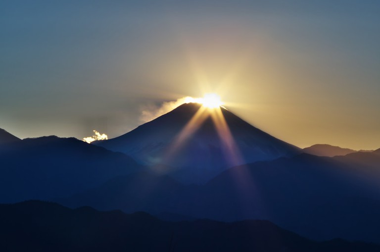 Watch the sunrise over Mount Fuji from Mount Takao