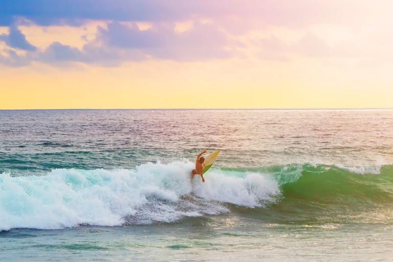 Surfing in warm water in Peru | © lia_mistral / Shutterstock