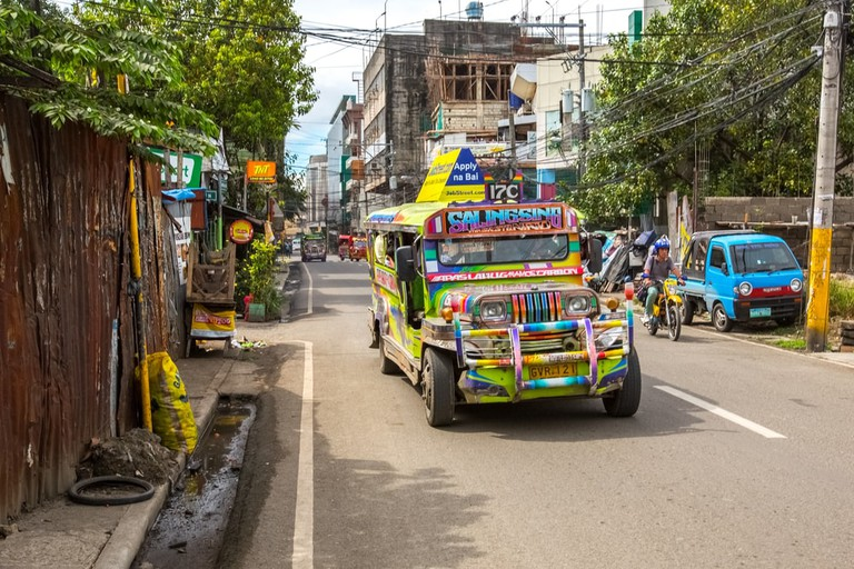 https://www.shutterstock.com/image-photo/cebuphilippines12-march2017-jeepney-taxi-ceby-streets-625146230?src=eiLl1a2u4KFwooziMsRF_g-2-64