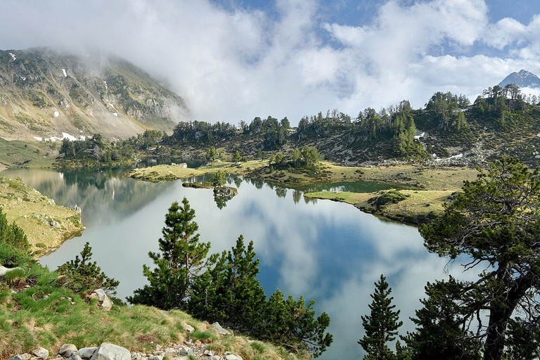 Gorgeous view of the Lac du Milieu de Bastan in the Hautes Pyrénées