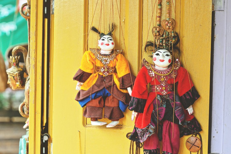Traditional-Handmade-Puppets-in-Myanmar