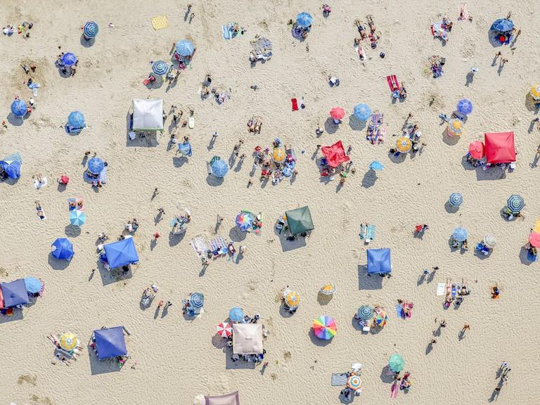 LA NY, Los Angeles: The Beach