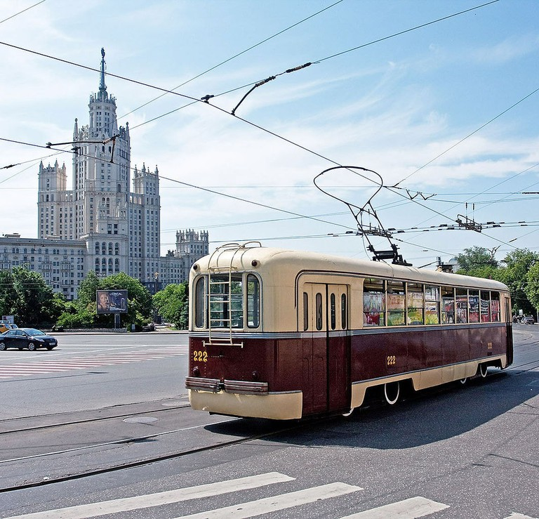 1064px-RVZ-6_tram_in_Moscow,_Russia