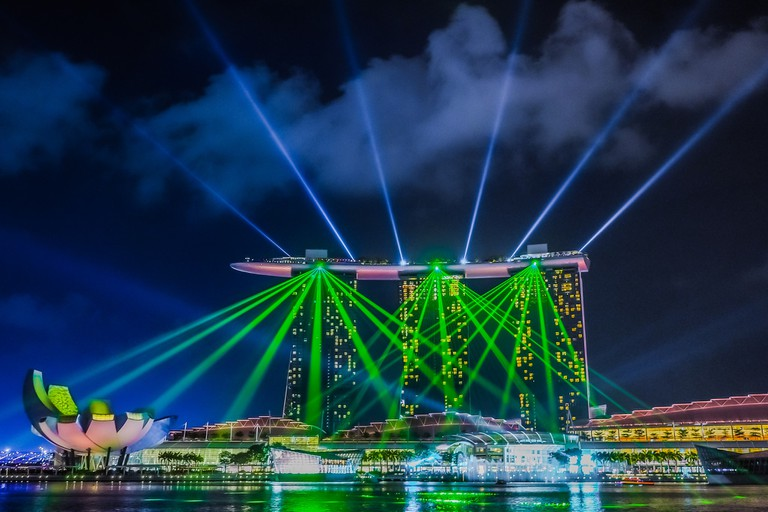 Light and water show at Marina Bay Sands