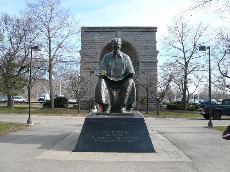 Statue to Nikola Tesla | © Michael Gray/Flickr