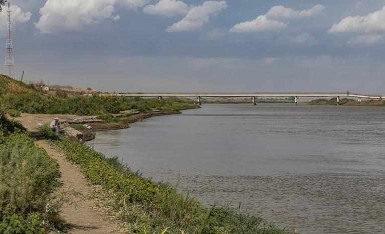Baikonur, Syr Darya River