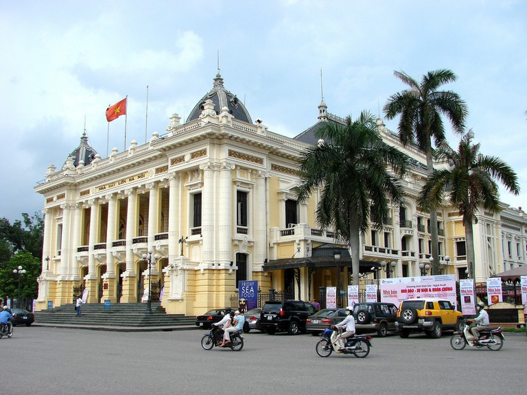 Hanoi Opera House | © Adam Jones/Flickr