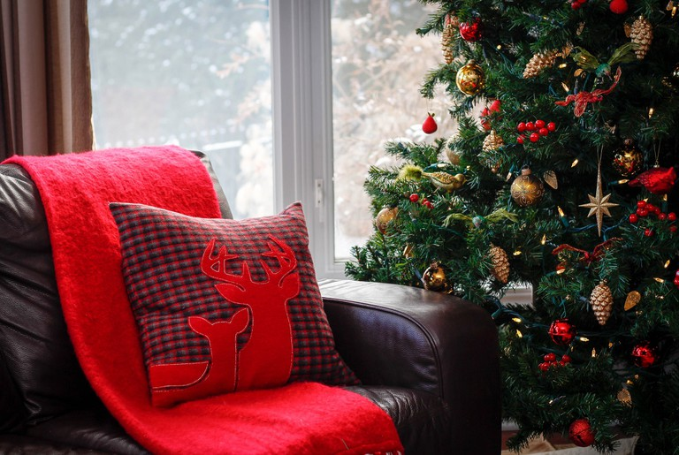 Dress up your home with Christmas essentials