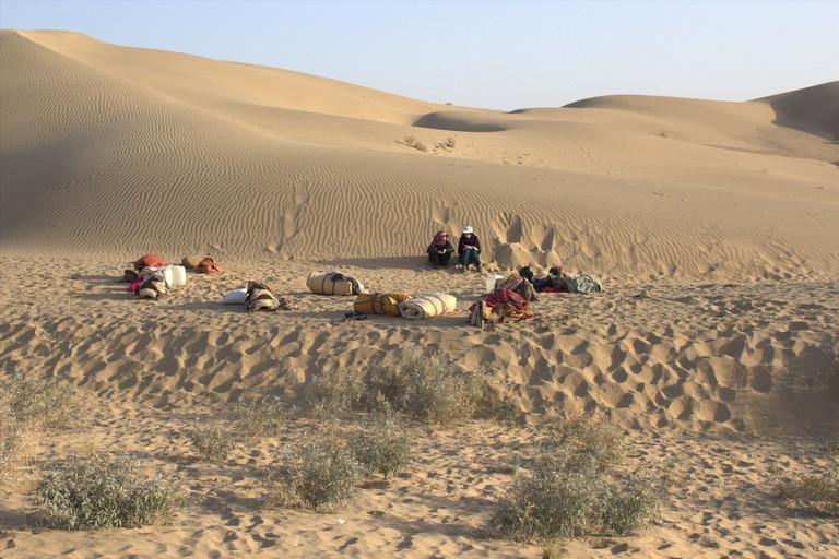 5.desert_camping_