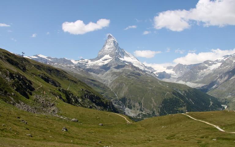 Extreme Environments - A Classic Pyramidal Peak: The Matterhorn © Richard Allaway/Flickr