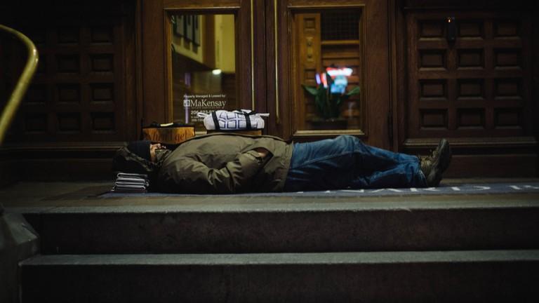 40 Degrees, Sleeping on newspaper