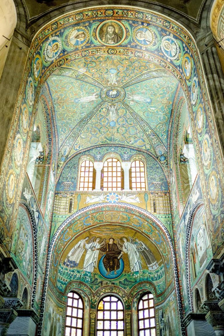 Mosaic art inside Basilica di San Vitale in Ravenna | © Luca Sartoni/Flickr