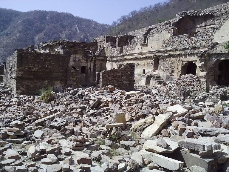 Bhangarh Fort | Nidhi Chaudhry / WikiCommons