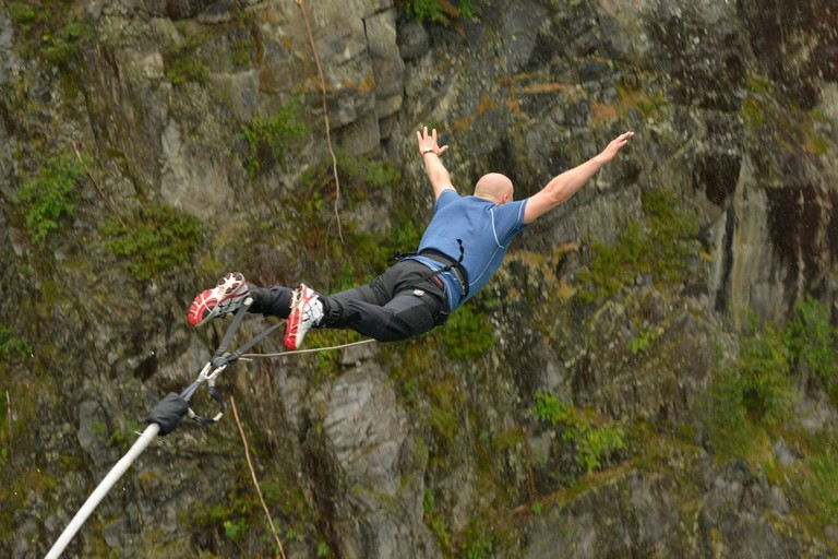 Bungee jumping from Vemork suspension bridge | Courtesy of Visit Rjukan