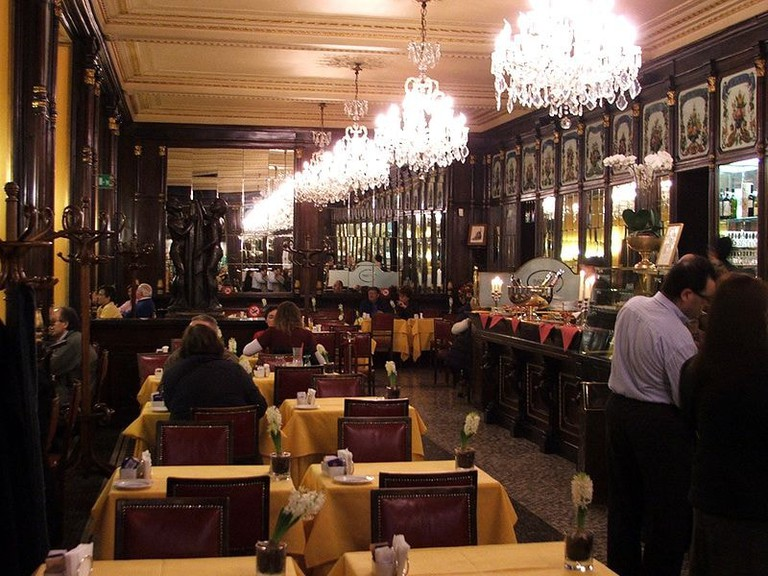 Inside the elegant Caffe Baratti & Milano, a traditional Turin confectionary bar | WikiCommons