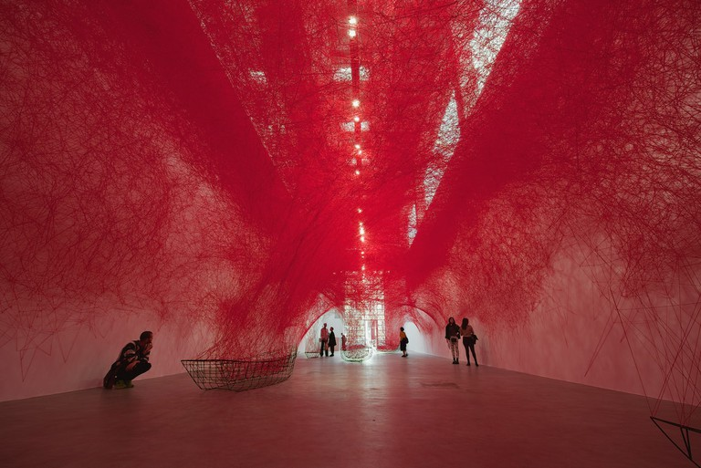 Chiharu Shiota, Uncertain Journey, 2016, Installation view, Courtesy the artist and BlainSouthern, Photo Sunhi Mang copy