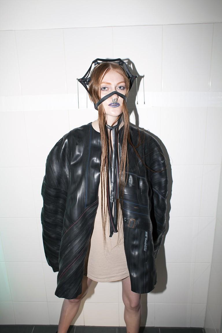 Fusc Alex Schuktuew Rosa Hirn Jewellery Upcycling Damaris Moos Fashion klein (6)