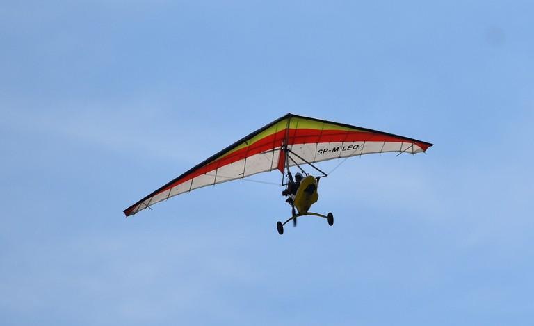 hang-glider-2447589_1280