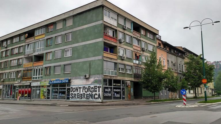 Don't Forget Srebrenica graffiti in Sarajevo | © Sam Bedford