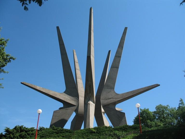 Kosmaj_spomenik2