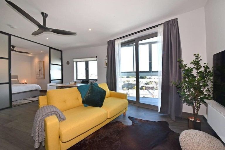 Luxurious Northbridge Penthouse