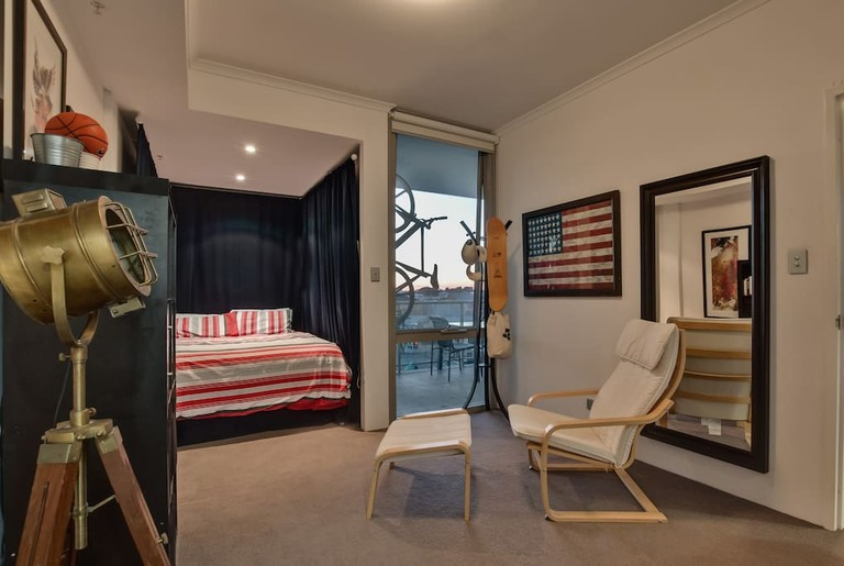 Modern living in the heart of Northbridge © Airbnb