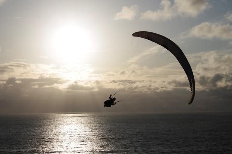 paragliding-2514510_1280