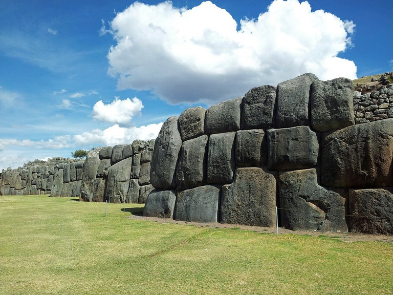 The 300-ton stones at Sacsayhuamán in Cusco