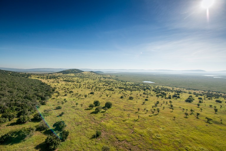 The foothills of the Muhororo and the swamps north of Lake Rwanyakizinga in Akagera National Park | Courtesy of Gaël R. Vande weghe and Philippe Nyirimihigo