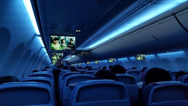 plane-board-692702_1280
