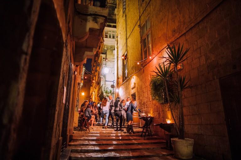 rsz_1strait_street_valletta_night_time_bar