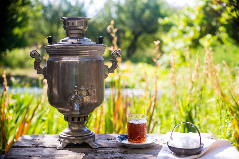 Samovar and a glass of Azerbaijan tea | © Chinara Rasulova/Shutterstock