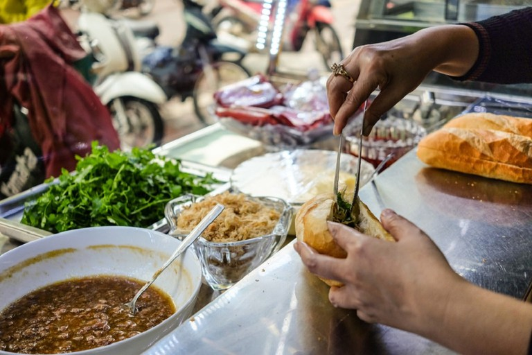 How many Vietnamese get their breakfast | © Aleksandr Shilov/shutterstock