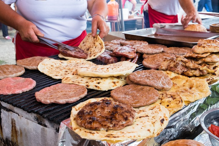 Various grilled meat patty | © Veronika Kovalenko/Shutterstock