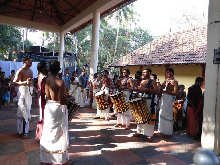1.thalikkunu_shiva_temple_melam