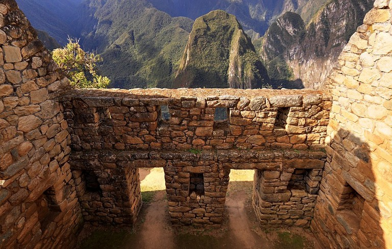 1024px-124_-_Machu_Picchu_-_Juin_2009