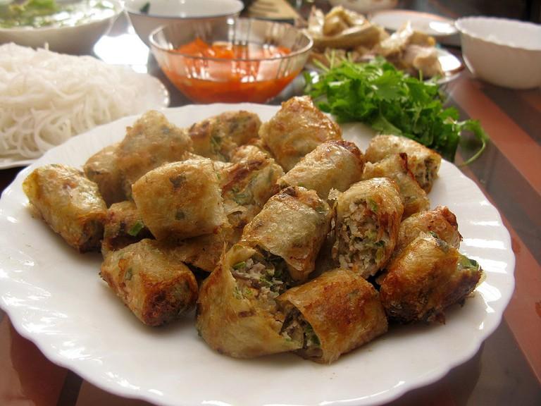 Sliced up pieces of Nem rán   © Phó Nháy/WikiCommons