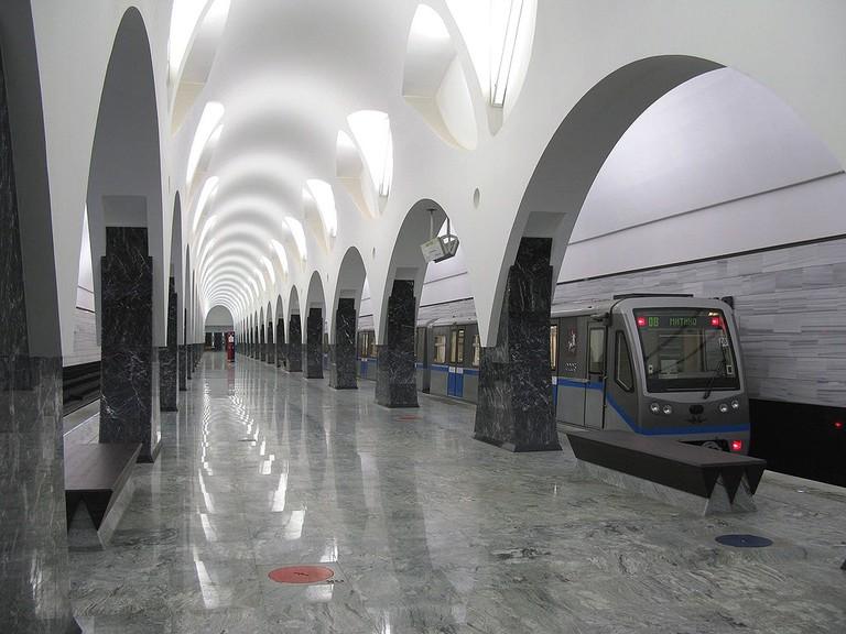 1024px-Volokolamskaya_station_(Moscow_Metro)