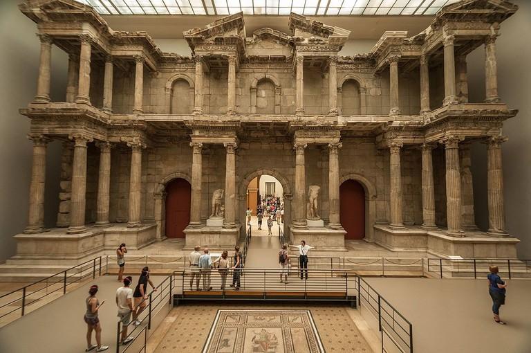 1200px-Market_Gate_of_Miletus_in_the_Pergamon_Museum