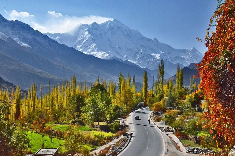 1200px-Rakaposhi,_Nagar_GB_(Pakistan)