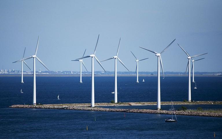 1200px-Windmills_4890293313