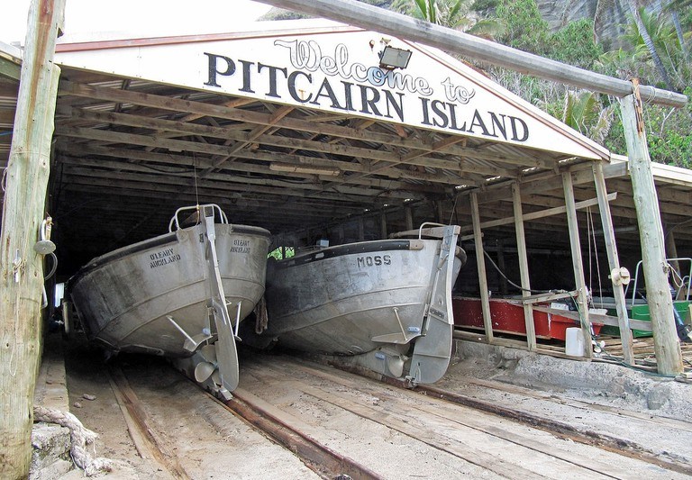 1280px-Pitcairn_Longboats