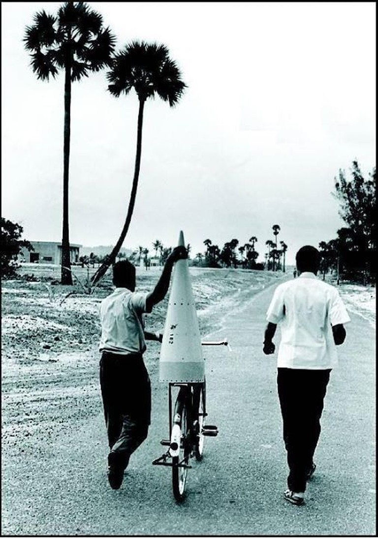 The rocket was so small and light that it could be transported on a bicycle